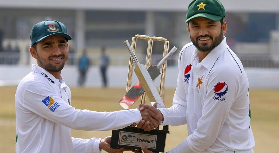 بنگلہ دیش کے خلاف پہلا ٹیسٹ میچ: قومی کرکٹ ٹیم کا ٹاس جیت کر باؤلنگ کا فیصلہ