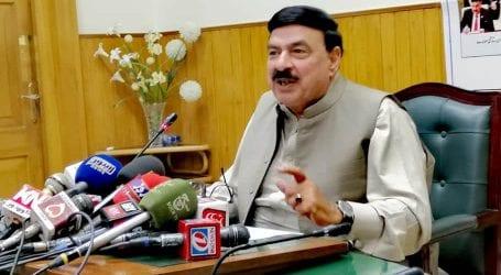 وزیر ریلوے شیخ رشید  کا کراچی میں  ریلوے کی جائیدادیں واپس لینے کا فیصلہ