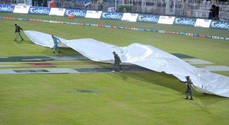 راولپنڈی میں بارش کے باعث اسلام آباد یونائیٹیڈ اور ملتان سلطانز کے میچ میں تاخیر