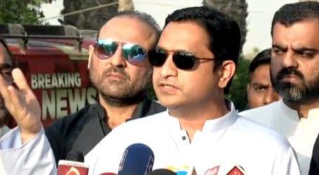 خرم شیر زمان نے کراچی میںکورونا ایس اوپیز اورحکومتی دعوؤںکا پول کھول دیا