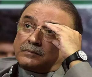 منی لانڈرنگ کیس:  آصف علی زرداری اور فریال تالپور پر فردِ جرم 24 جولائی تک مؤخر