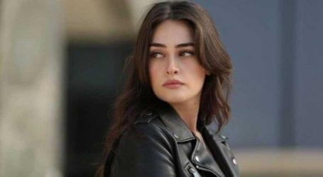 ترک اداکارہ اسراء بیلجک پی ایس ایل کے مداحوں کو جلد خوشخبری سنائیں گی