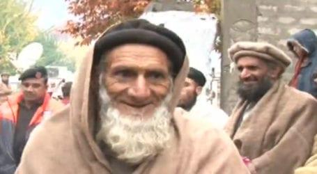 گلگت بلتستان کے 98 سالہ معذور شہری نے سخت سردی میں ووٹ ڈال دیا