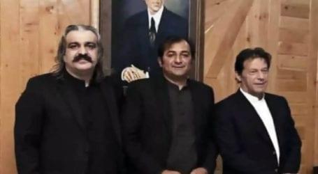 پاکستان تحریک انصاف کے رکن اسمبلی خالد خورشید وزیراعلیٰ گلگت بلتستان منتخب