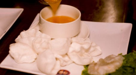 کراچی میں سردی کے دوران بٹیر، کیکڑے اور جھینگے کے سوپ کا لطف اٹھائیں