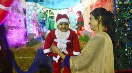 تصویری تجزیہ: مسیحی برادری کا کرسمس کی خوشیوں سے بھرپور رنگا رنگ مذہبی تہوار