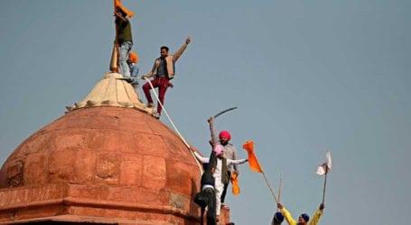 تصویری تجزیہ: ہندوستان کا یوم جمہوریہ، مشتعل کسان لال قلعے میں داخل