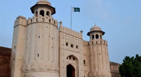 لاہور کے شاہی قلعے سے 400سال قدیم سرنگ دریافت ہوگئی