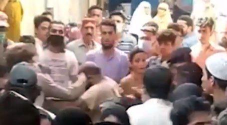 لیاری میں دکانداروں کا رینجرز اہلکاروں پر تشدد، ویڈیو وائرل
