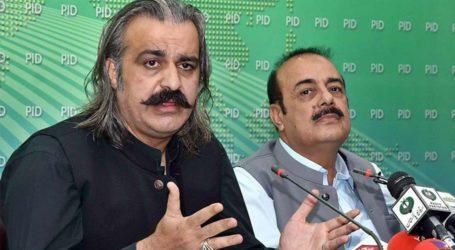 آزاد کشمیر، علی امین گنڈا پور پر جوتا اچھالنے کے الزام میں 2نوجوان گرفتار