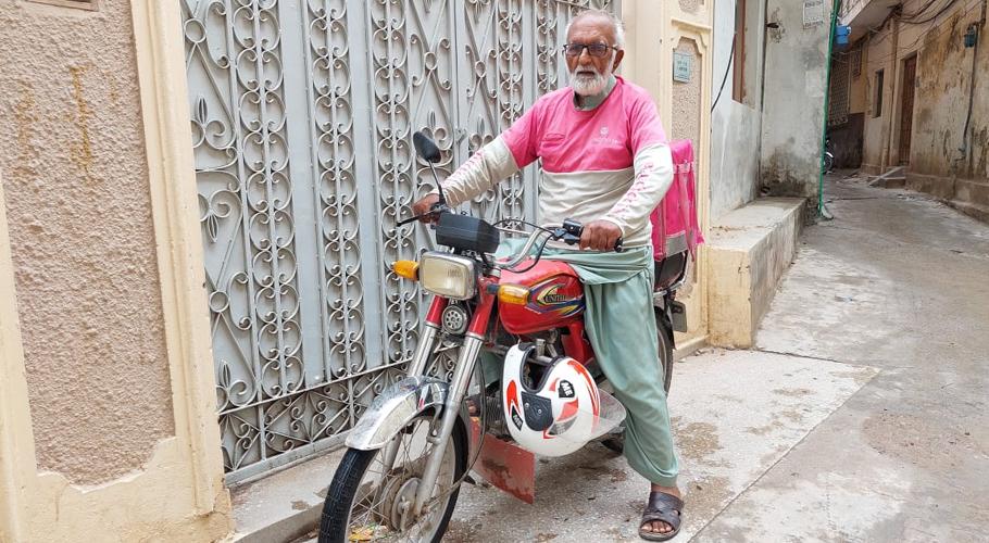 Seventy-seven-year-old food panda rider from Islamabad