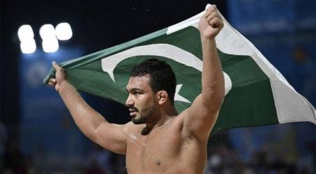 پاکستانی ریسلر انعام بٹ نے آذر بائیجان کے حریف کو شکست دیکر گولڈ میڈل جیت لیا