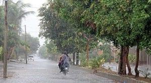 Karachi receives its first shower of winter