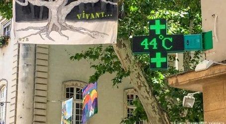 Heatwave in France leaves 1500 dead