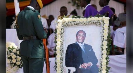 Zimbabwe's Robert Mugabe buried in home village