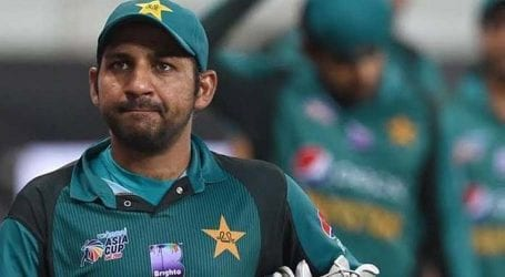 Sarfraz Ahmed gives a poetic reply to his critics