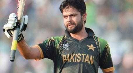 Cricketer Ahmed Shehzad accused of ball tampering