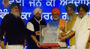 Modi praises PM Khan to open Kartarpur corridor for Sikhs