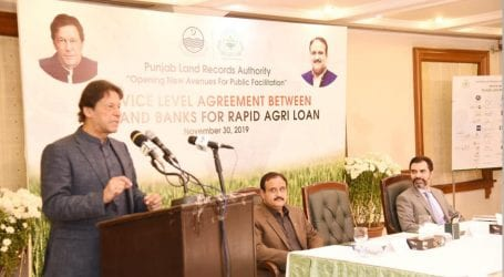 Economy stabilising owing to govt's initiatives, says PM Khan