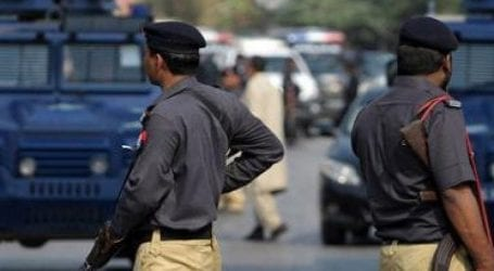 Land grabber flees from police custody in Karachi