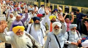 kartarpur corridor: Sikh pilgrims arrive in Lahore from India