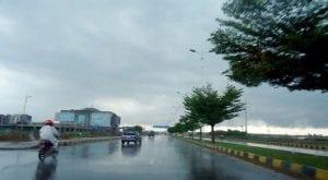 Rain in Lahore reduces level of smog
