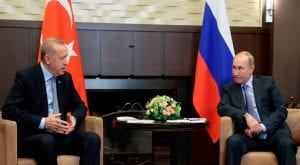 Despite US threats Turkey tests Russian missile defences