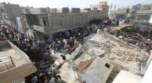 Building collapses in timber market karachi