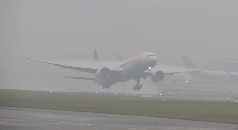 Dense fog affects flight operations at Islamabad airport