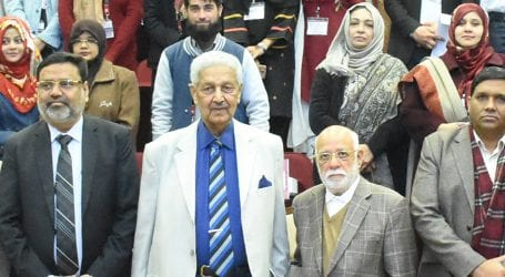 Dr Abdul Qadeer Khan urges students to focus on valuable research