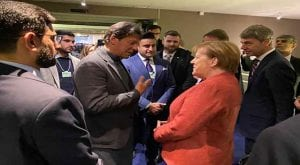 PM Imran meets German Chancellor on sidelines of WEF
