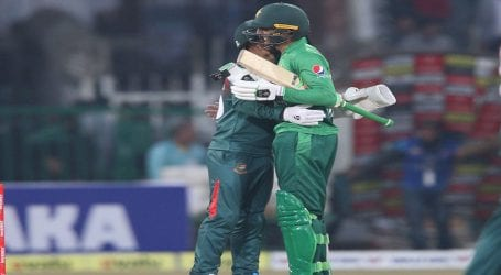 Pakistan beats Bangladesh by 5 wickets in first T20