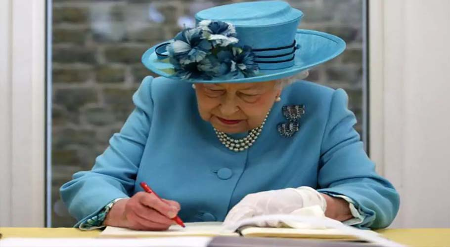 Queen Elizabeth gives approval for Britain to leave EU
