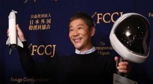 Japanese billionaire seeks a female partner for trip around moon