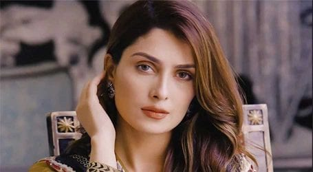 Ayeza Khan urges fans to educate children on coronavirus