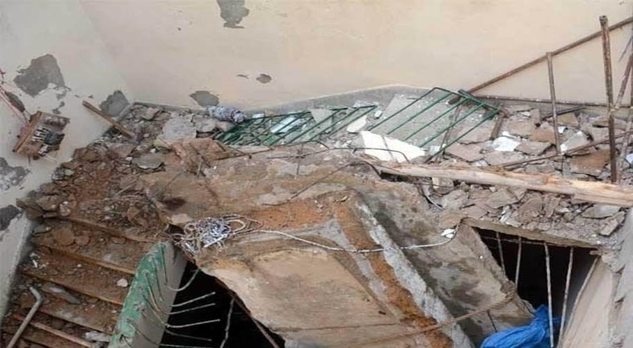 Three children died after house roof collapsed in Gujranwala