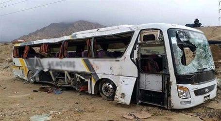Thirteen killed, 9 injured in road mishap near Khairpur