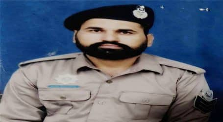 Traffic police officer sacrifices life while saving others in road accident