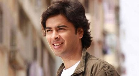 Singer Shehzad Roy sings his old songs in new style