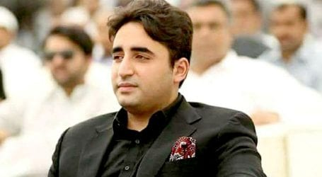 PM should apologise for destroying economy: Bilawal