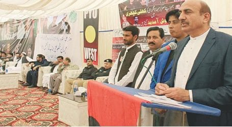 Minister holds open katchery to address issues of people in Larkana