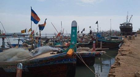 Problems of fishermen increases due to lockdown in Karachi