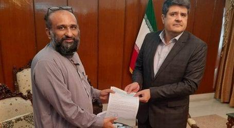 Coronavirus: Chairman Edhi Trust hands over Rs.30mn to Iran
