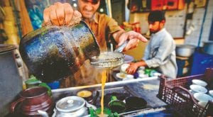 Sindh govt considers closing restaurants, tea shops by 9pm