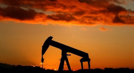 Oil prices drop nearly 3 percent on slow COVID-19 recovery