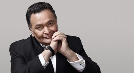 Bollywood veteran actor Rishi Kapoor passes away
