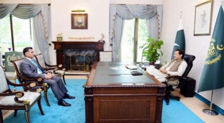 PM Khan, DG ISI discuss national security matters