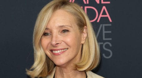 Lisa Kudrow displeased for not hugging mourners at mother's funeral