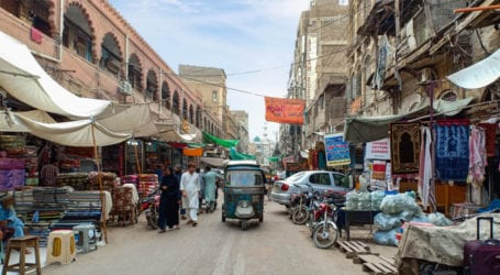 Sindh govt allows traders to open shops, markets on weekends