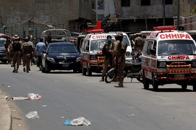 5 dead as terrorists storm stock exchange in Karachi